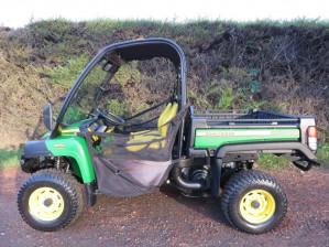 JOHN DEERE XUV 855D DIESEL GATOR ATV YEAR 2015, 236 HOURS (PIL3541) £10500+VAT
